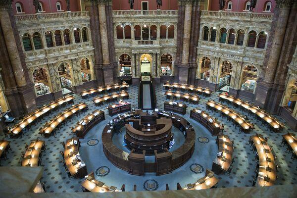 ASV Kongresa bibliotēkā ir 158 miljoni izdevumu. Lai vienkārši uzmestu tiem aci, jums būs vajadzīgi vairāk nekā 130 dzīves gadi - Sputnik Latvija