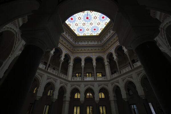 Bosnijas un Hercegovinas nacionālā universitātes bibliotēka sākotnēji tika izmantota kā rātsnams, lielākā un reprezentatīvākā Austroungārijas perioda ēka Sarajevā - Sputnik Latvija