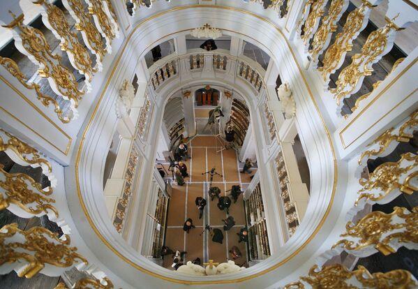 Hercogienes Annas Amālijas bibliotēka Veimārā, Tīringe, Vācija, iekļauj lielu vācu literatūras un vēsturisko dokumentu kolekciju - Sputnik Latvija
