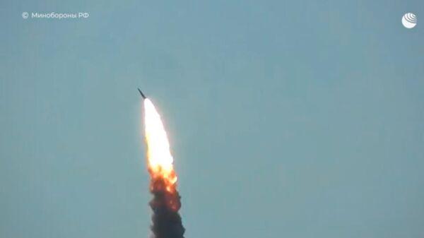 Тестовый пуск новой российской противоракеты системы ПРО попал на видео - Sputnik Latvija