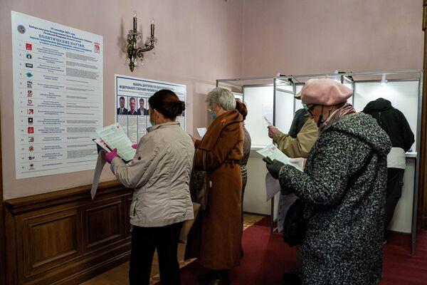 Для желающих проголосовать созданы все условия. - Sputnik Латвия