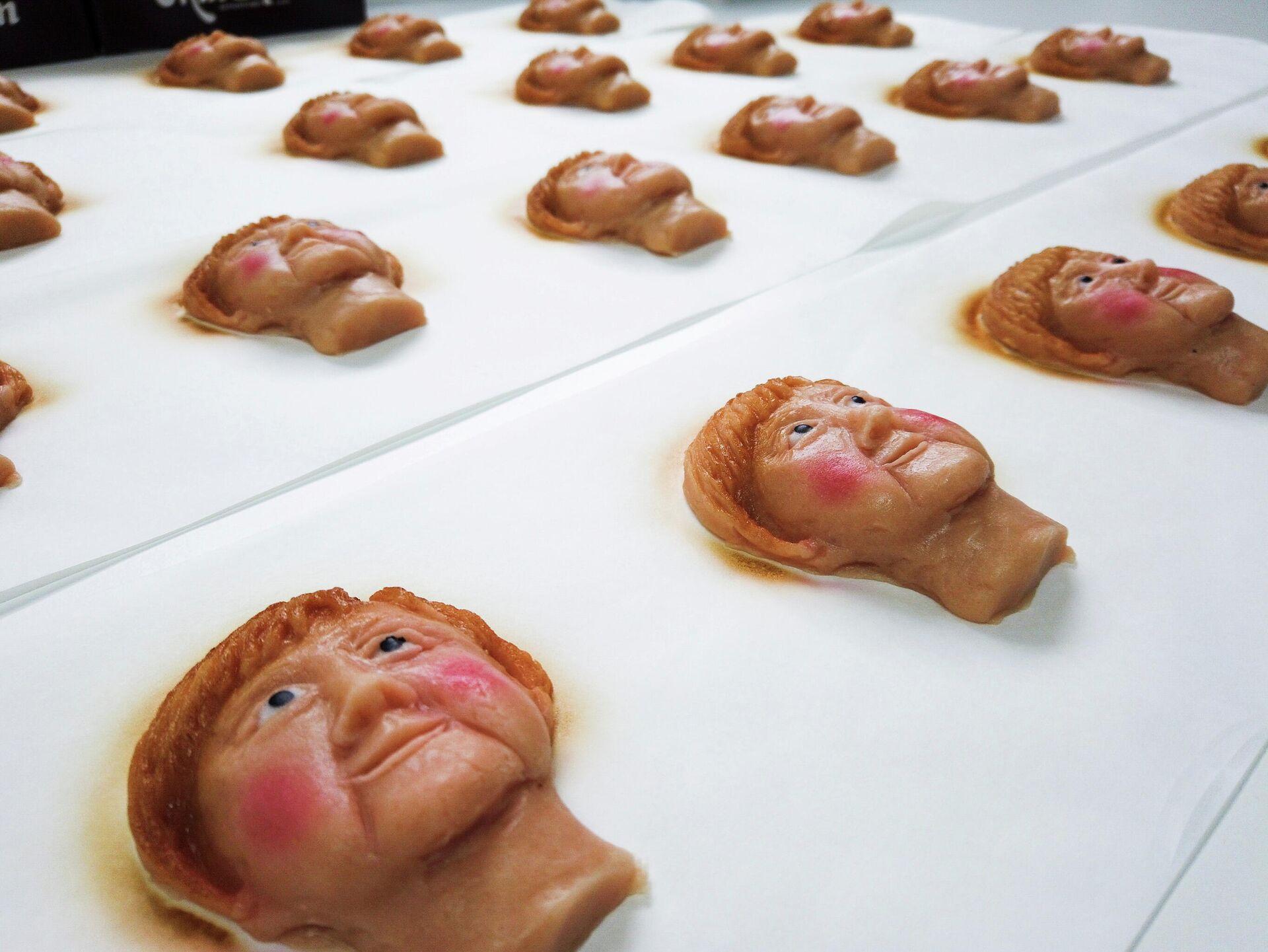 Марципановое печенье с изображением канцлера Германии Ангелы Меркель - Sputnik Латвия, 1920, 21.09.2021