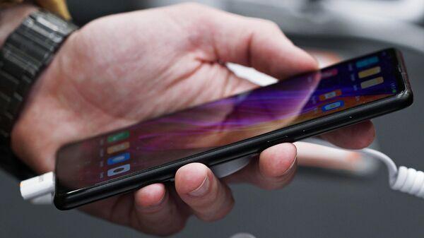 Смартфон Xiaomi, архивное фото - Sputnik Latvija