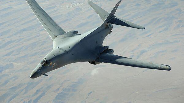 Стратегический бомбардировщик ВВС США B-1 Lancer  - Sputnik Latvija