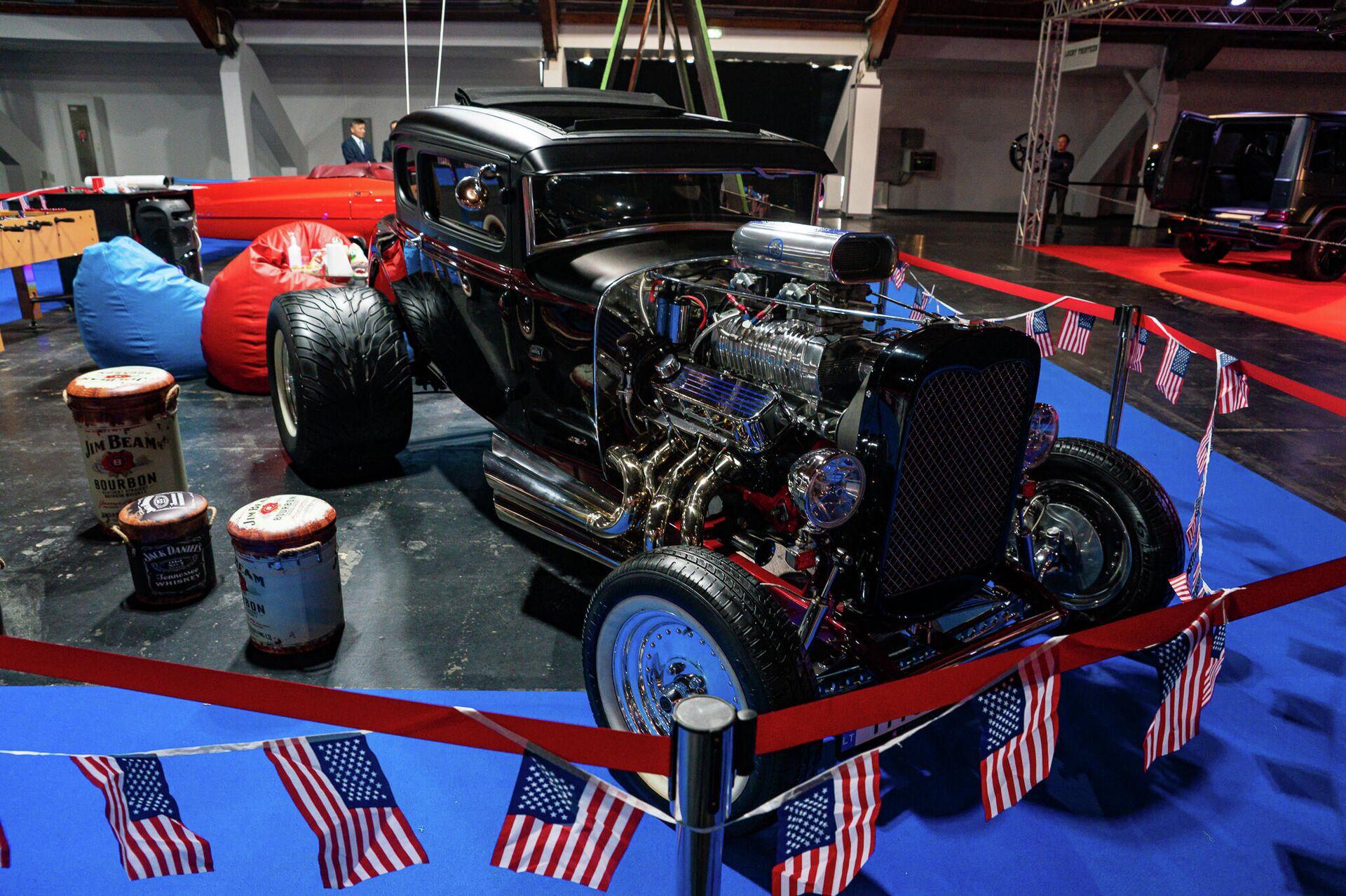 530-ти сильный монстр из Америки, с двигателем объемом 7,4 литра - Sputnik Латвия, 1920, 25.09.2021
