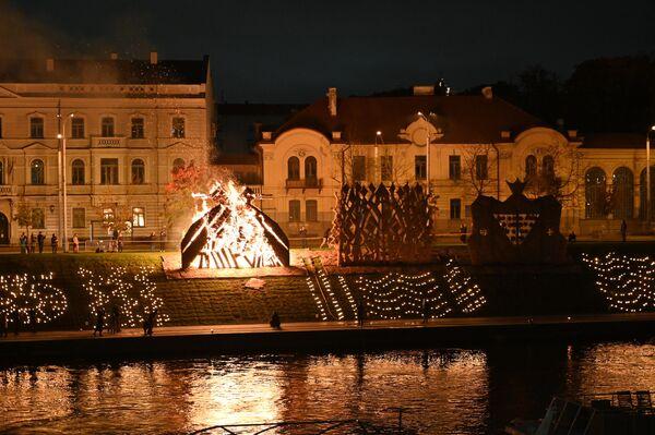По словам организаторов, день осеннего равноденствия - отличный повод оглянуться на прожитое лето, поблагодарить за него и задуматься о духовном и о приближающемся Рождестве. - Sputnik Латвия