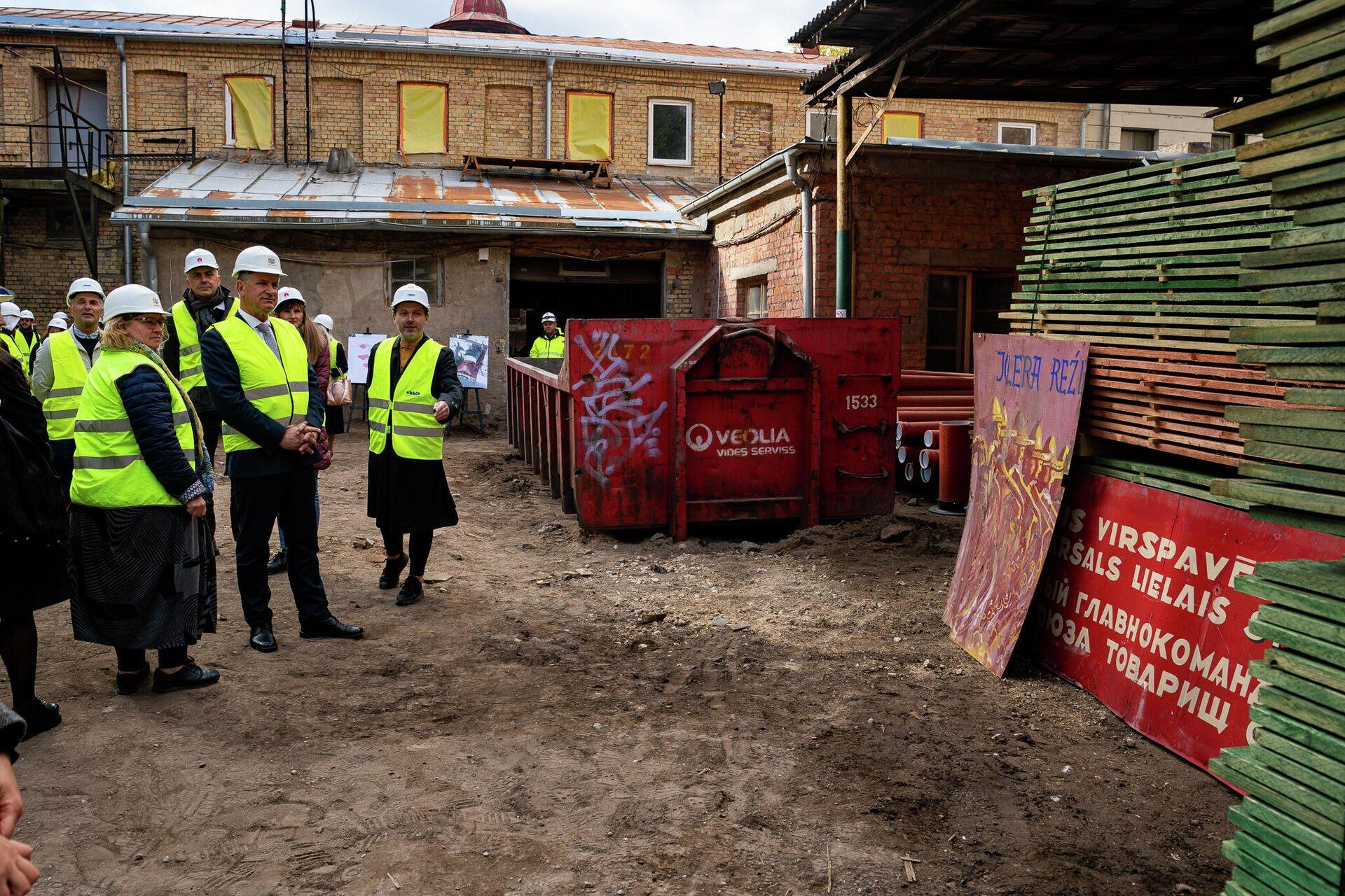 Архитектор из NRJA знакомит прессу с проектом реконструкции - Sputnik Латвия, 1920, 28.09.2021