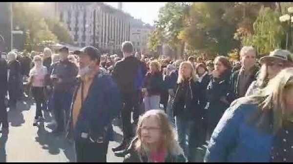 Сменим эту власть! Шлесерс выступает у памятника Свободы - Sputnik Латвия