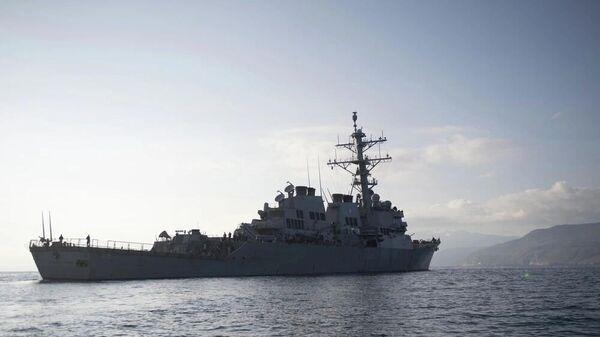 Американский военный эскадренный миноносец USS Donald Cook у берегов Греции - Sputnik Latvija