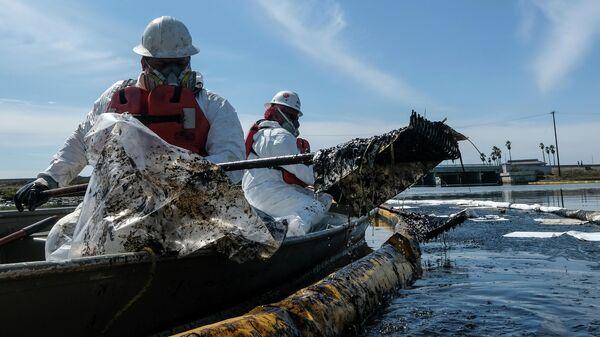 Разлив нефти у побережья Калифорнии - Sputnik Latvija