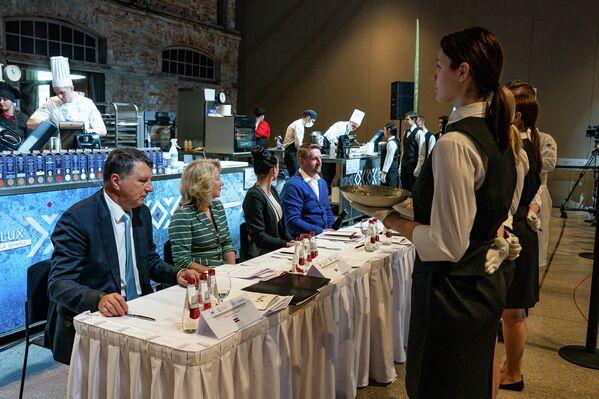 Жюри оценивало текстуру, внешний вид и инновационность продуктов - Sputnik Латвия