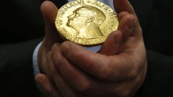 Медаль Нобелевской премии мира в Балтиморе - Sputnik Латвия