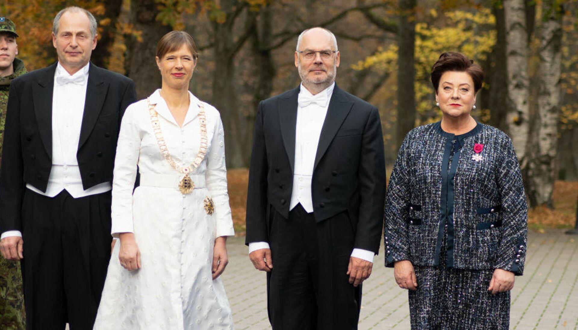 Инаугурация нового президента Эстонии. Слева направо: Георгий-Рене Максимовский, Керсти Кальюлайд, Алар Карис, Сирье Карис - Sputnik Латвия, 1920, 14.10.2021
