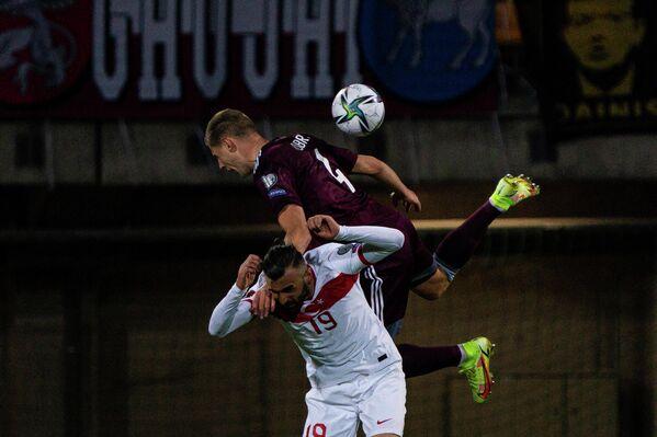 Игровой момент матча 8-го тура отборочного турнира чемпионата мира - 2022 Латвия - Турция - Sputnik Латвия