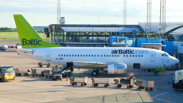 AirBaltic Боинг 737-53S - Sputnik Латвия