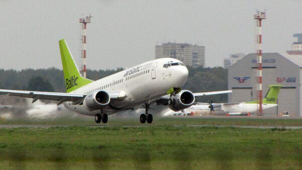 Боинг 737 авиакомпании AirBaltic - Sputnik Latvija