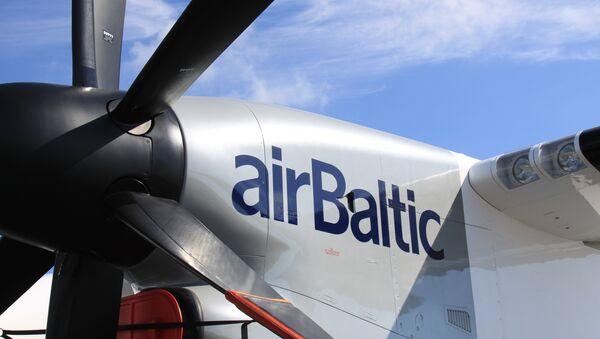самолет Bombardier авиакомпании AirBaltic - Sputnik Латвия