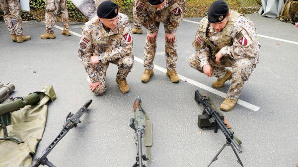 Латвийские военные  - Sputnik Латвия