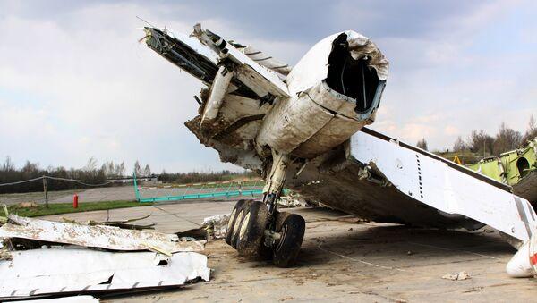Обломки польского правительственного самолета Ту-154 - Sputnik Латвия