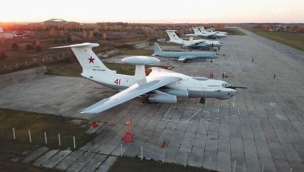 Всевидящий A-50 - кадры учебного полета - Sputnik Латвия