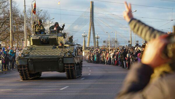 Военный парад в честь столетия Латвии - Sputnik Латвия