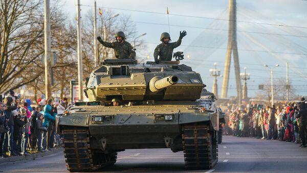 Испанский Leopard 2E на параде в честь столетия Латвии - Sputnik Latvija