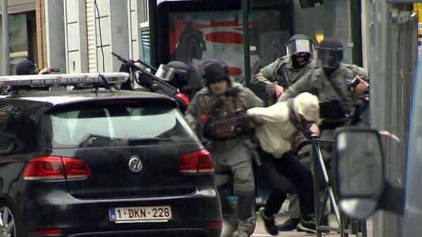Briseles priekšpilsētā Molenbēkā aizturēts Francijas pilsonis – 26 gadus vecais Salehs Abdeslams. - Sputnik Latvija