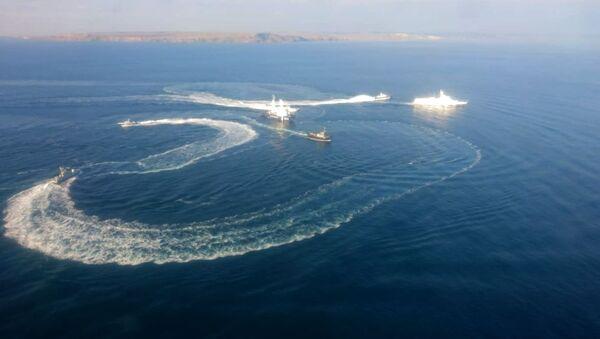 Три корабля ВМС Украины пересекли российскую границу - Sputnik Латвия