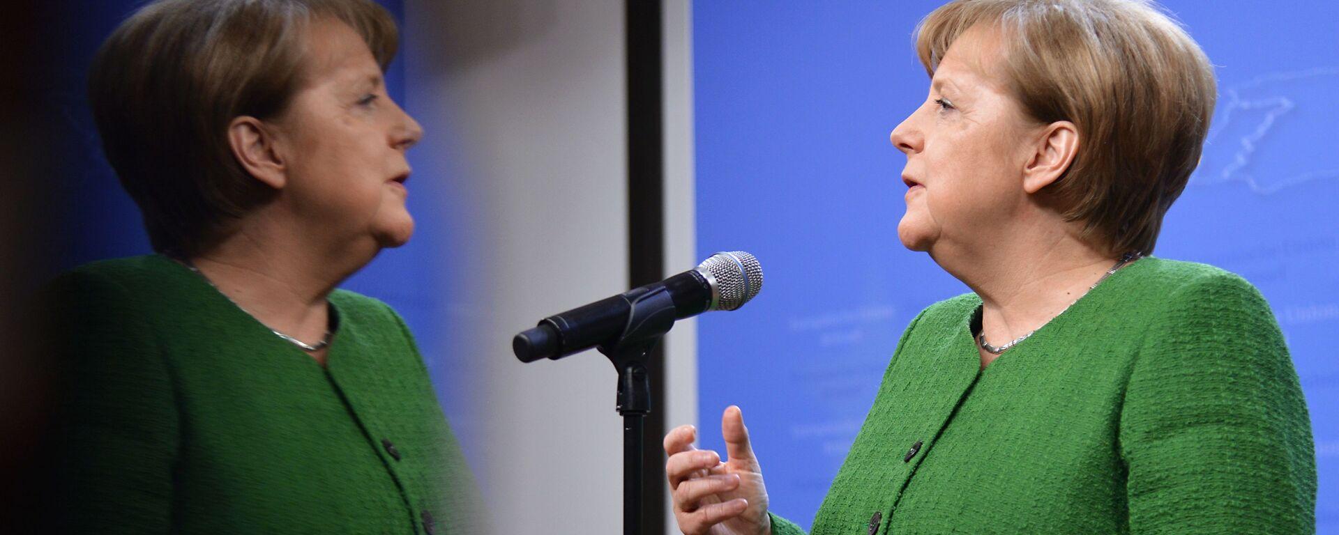 Канцлер Германии Ангела Меркель во время саммита ЕС в Брюсселе - Sputnik Латвия, 1920, 30.08.2021