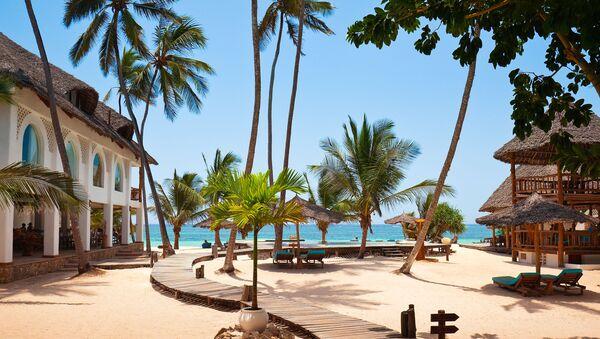 Пляж Диани на побережье Индийского океана в Кении - Sputnik Latvija