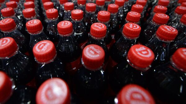Продукция завода Coca-Cola HBC  - Sputnik Латвия