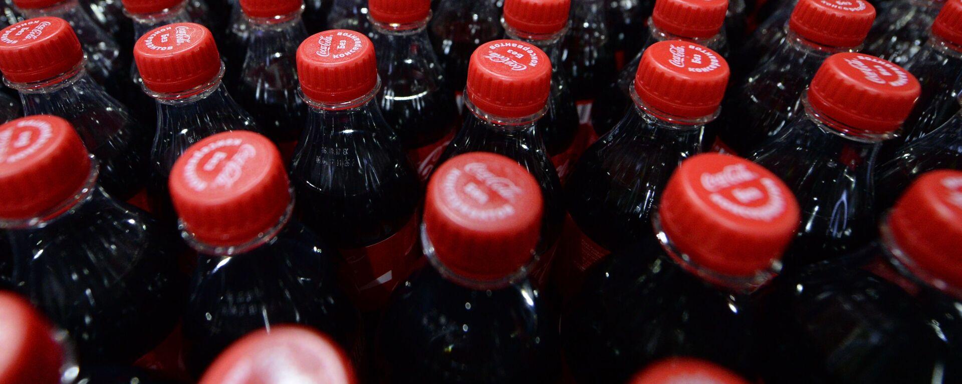 Продукция завода Coca-Cola HBC  - Sputnik Латвия, 1920, 31.07.2021