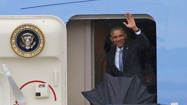 Президент США Барак Обама в аэропорту Гаваны - Sputnik Латвия