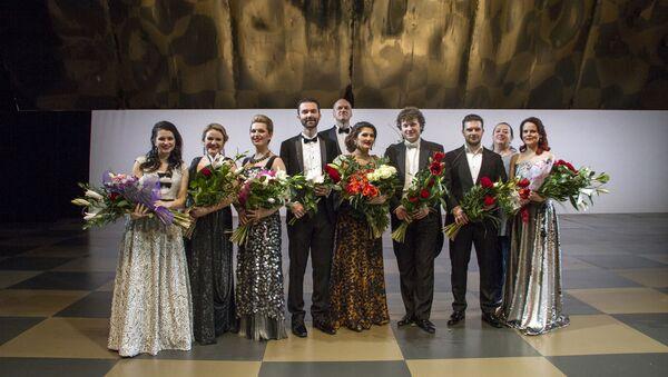 Концертное исполнение в Риге оперы Пуччини Ласточка с участием солистки Большого театра Динары Алиевой - Sputnik Латвия