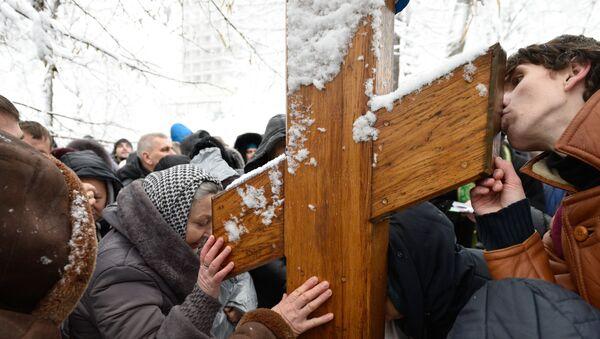 Акция прихожан УПЦ МП против Объединительного собора на Украине - Sputnik Латвия