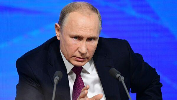 Президент РФ Владимир Путин на большой ежегодной пресс-конференции, 20 декабря 2018 - Sputnik Latvija