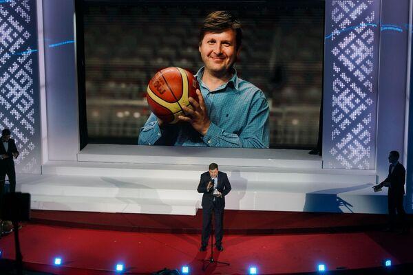 Спортивный журналист Владимир Иванов с телеканала LTV7 на церемонии награждения самых успешных людей латвийского спорта по итогам 2018 года - Sputnik Латвия
