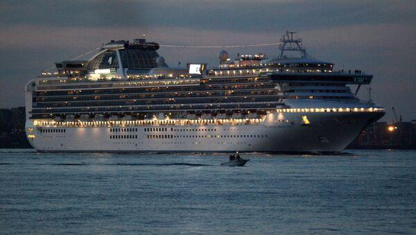 Прибытие во Владивосток трансокеанского лайнера Diamond Princess - Sputnik Латвия