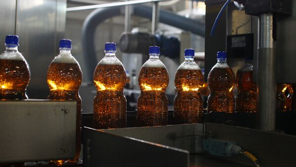 Производство газированных напитков - Sputnik Латвия