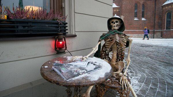 Скелет у Домской площади - Sputnik Латвия
