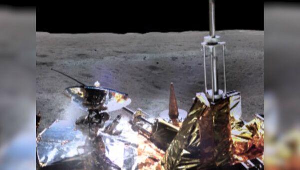 Панорамные снимки обратной стороны Луны, сделанным китайским луноходом Чанъэ-4 - Sputnik Латвия