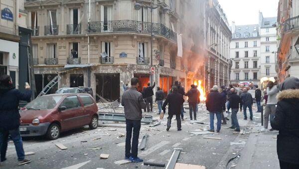 Взрыв в булочной в Париже - Sputnik Latvija