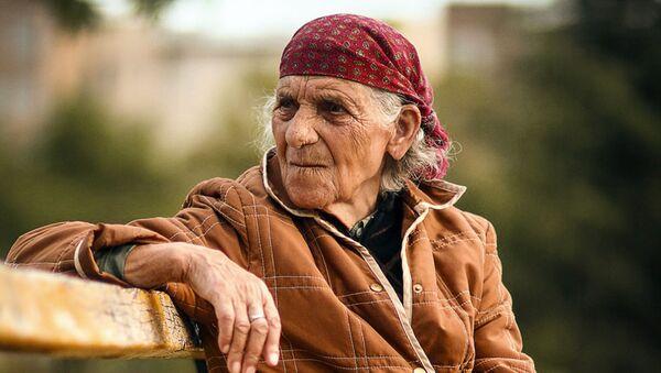 Пожилая женщина - Sputnik Латвия