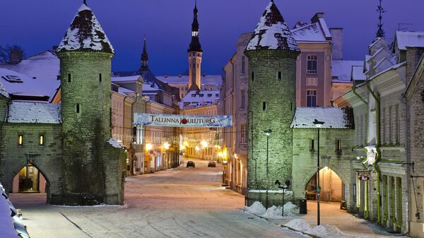 Вид на ночной Таллин, Эстония - Sputnik Latvija