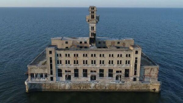 Дагестанский форт Боярд: заброшенная крепость на Каспии - Sputnik Латвия