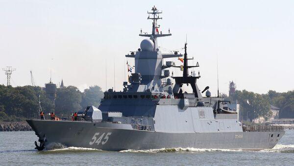 Корвет Стойкий во время выхода кораблей Балтийского флота в море - Sputnik Латвия