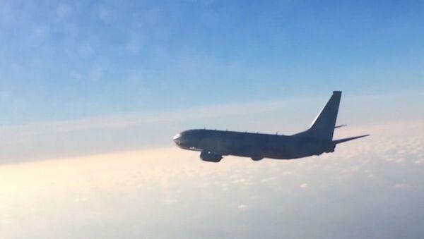 Российский Су-27 перехватил самолет-разведчик США над Балтикой - Sputnik Латвия
