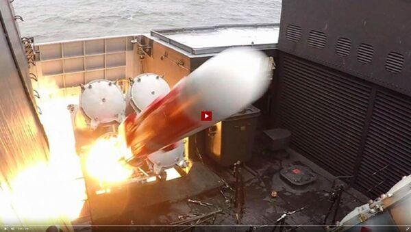 Боевой ракетный пуск с корвета Стойкий - видео - Sputnik Латвия