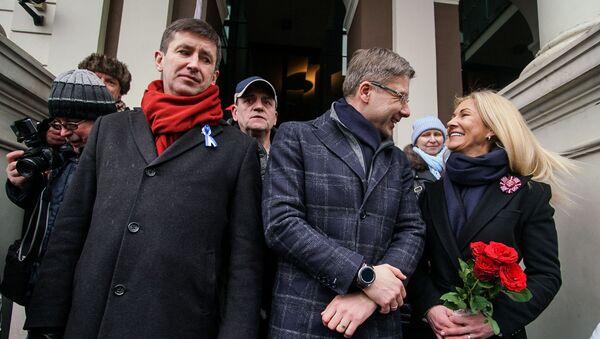 Мэр Риги Нил Ушаков во время митинга на Ратушной площади - Sputnik Латвия