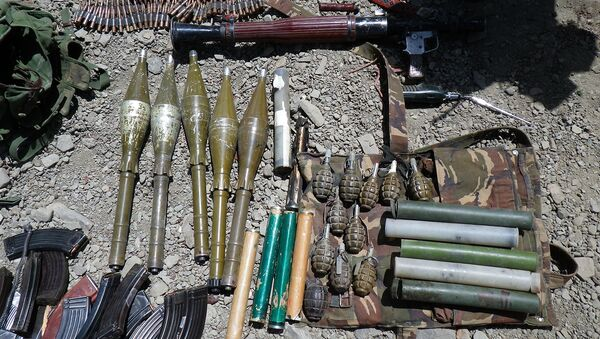 Kaujiniekiem konfiscētie ieroči. Foto no arhīva - Sputnik Latvija